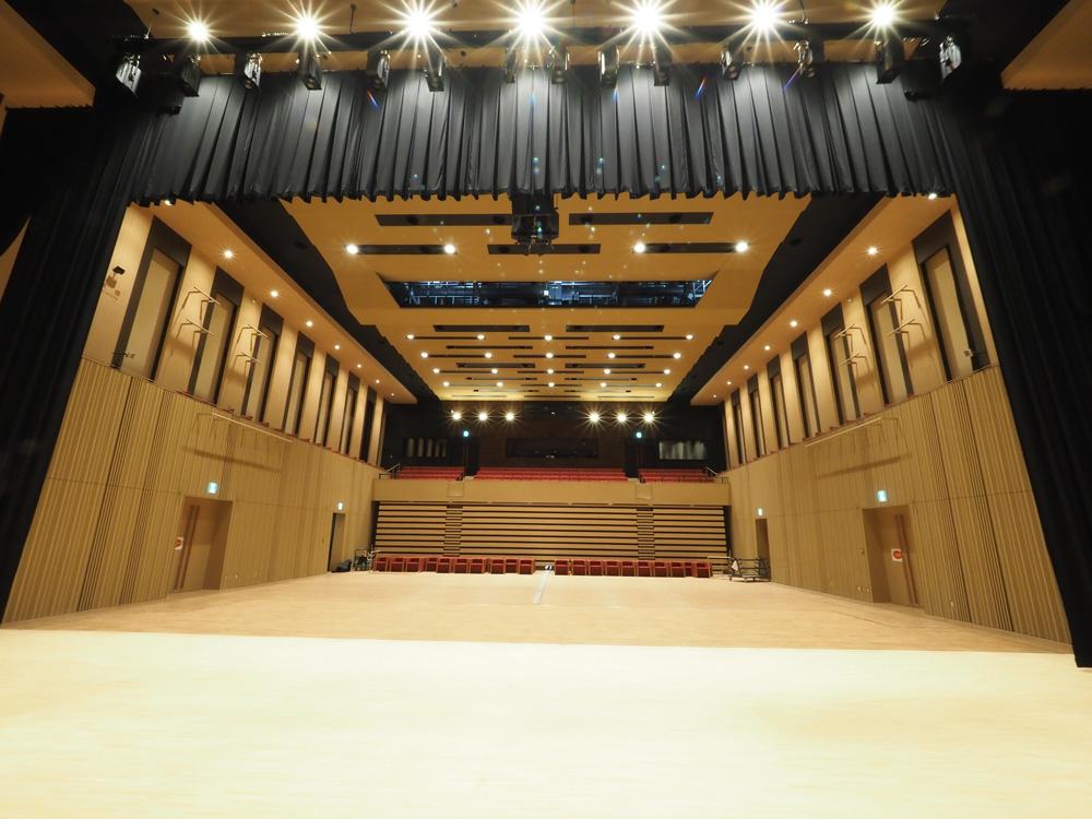 「スターツおおたかの森ホール」は千葉県流山おおたかの森駅から徒歩1分の多目的ホールです。ホールやスタジオ、会議室のレンタルも行っております。